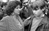Dutch politician Tara Sing Farma talks to a student during a demonstration against nuclear weapons