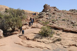 People hiking trail to Delicate Arch _DSC2842.JPG