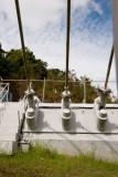 Anclaje de Cables de Soporte de las Antenas