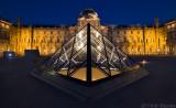 Symmetry of Louvre