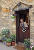 We were invited to drink tea in a typical English cottage...Castle Combe, Chippenham, Wiltshire, UK