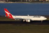 QANTAS AIRBUS A330 200 SYD RF IMG_9749.jpg