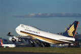 SINGAPORE AIRLINES BOEING 747 400 SYD RF 1409 19.jpg