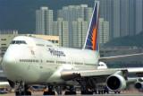 PHILIPPINES BOEING 747 400 HKG RF 951 26.jpg