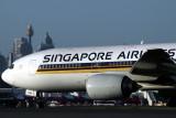 SINGAPORE AIRLINES BOEING 777 200 SYD RF IMG_0229.jpg