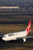 QANTAS AIRBUS A330 200 SYD RF IMG_1064.jpg