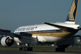 SINGAPORE AIRLINES BOEING 777 200 SYD RF IMG_0298.jpg