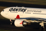 QANTAS AIRBUS A330 200 SYD RF IMG_0382.jpg
