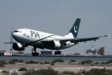 PIA PAKISTAN AIRBUS A310 300 DXB RF IMG_1340.jpg