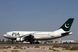 PIA PAKISTAN AIRBUS A310 300 DXB RF IMG_1343.jpg
