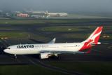 QANTAS AIRBUS A330 200 SYD RF IMG_3803.jpg