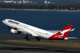 QANTAS AIRBUS A330 200 SYD RF IMG_3714.jpg