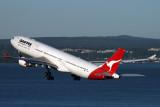 QANTAS AIRBUS A330 300 SYD RF IMG_3582.jpg