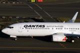 QANTAS BOEING 737 800 SYD RF IMG_3293.jpg