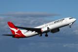 QANTAS BOEING 737 800 SYD RF IMG_3906.jpg