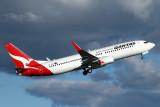 QANTAS BOEING 737 800 SYD RF IMG_3970.jpg