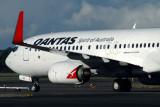 QANTAS BOEING 737 800 SYD RF IMG_3982.jpg