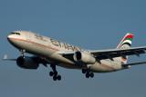 ETIHAD AIRBUS A330 200 JNB RF IMG_4776.jpg