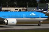 KLM BOEING 777 300ER PAE RF IMG_5849.jpg