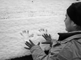 Manos en la nieve