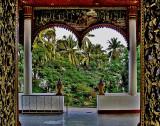 View thru front doors of Wat Inpeng