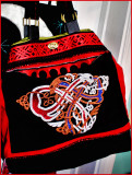 Celtic tote with Zipper front.JPG