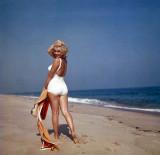 marilyn_monroe_long_island_1956_s_2.jpg