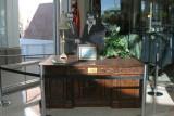 Replica of the Resolute Desk