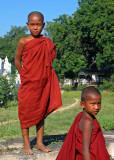 Young monks, Mingun