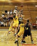 Queen's vs Toledo W-Basketball 09-01-07