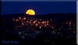 A Record Moon's Debute