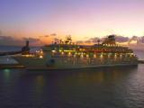 CRUISE SHIPS - ISLAND CRUISES
