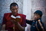 monje y niño