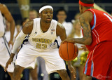 Yellow Jackets G Reed gets low on defense