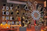 Italian Shoe Shopping Brings Joy To The World