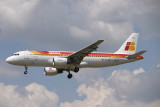 Iberia A-320 approaching LHR