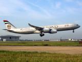 A340-500 A6-EHA