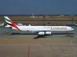 Airbus 340-300 A6-ERT