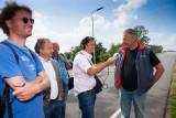 Piet Baars Informeert de pers