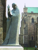 ST  RICHARD  STATUE .