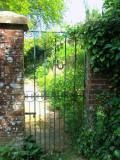 MONOGRAMMED GATEWAY