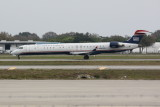 Canadair Regional Jet CRJ-900 (N942LR)