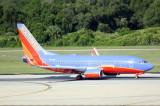 Boeing 737-300 (N910WN)