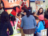 Children and Moms in the Mall - Unicentro.jpg