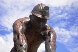 Closeup of Monumento a Mineros.jpg