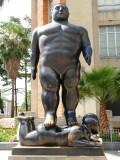 Hombre Caminante - Plaza de Botero.jpg