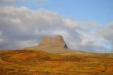 Vaðalfjöll gnæfa yfir landsins litadýrð