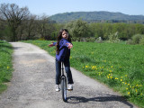 4 April Zoe Einrad.jpg