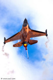 6723857729_865c01c889 Royal Netherlands Air Force  F-16AM Demo Team_L.jpg