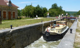 040Bergundy canal boat.jpg
